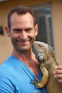 Dennis Ry med en Leguan