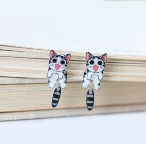 Katte øreringe med logrende hale